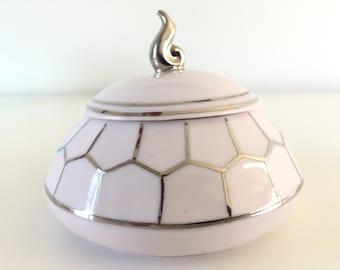 Sugar bowl porcelain veneers set in Platinum