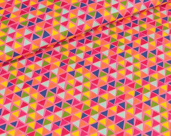 Cotton Jette colorful triangles on pink (10.50 EUR / meter)
