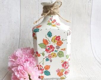 Flower vase, shabby chic vase, decorative bottle, floral design, flower pot, carafe bottle, housewarming gift, birthday gift, vintage decor