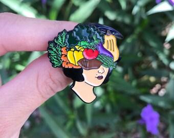 Vedge Lady Head Pin