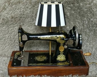 One of a Kind | Singer Antique Sewing Machine 1925 | Table Lamp Lighting | Working Light & Sewing Machine | Design | FREE Shipping*