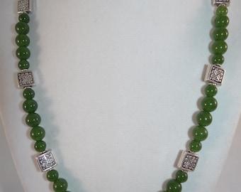 "Green Serpentine LAINE HOADLEY necklace, 19"""