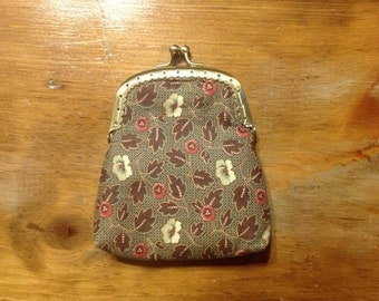 Handmade coin purse, kiss lock pouch, change pouch, change purse