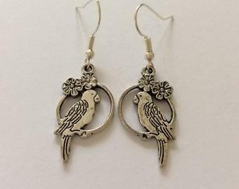 Parrot earrings/ parrot jewellery/ bird earrings/ bird jewellery/ animal earrings/ animal jewellery / parrot lover gift/ bird lover gift/
