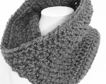 Gray Crochet Cowl, Grey Crochet Cowl, Chunky Cowl, Short Cowl / The Cove Cowl