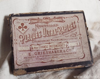 French vintage carton box with photographic glass plates