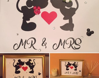 Kisses 'Mr & Mrs' Frame