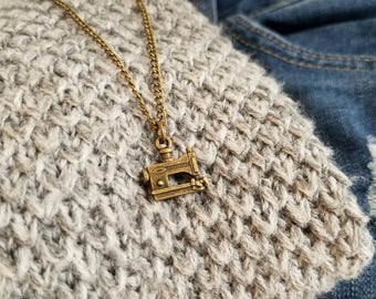 Sew lovely antiqued gold necklace