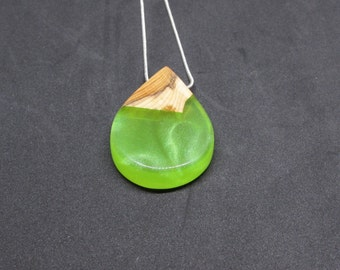 Wood Resin Necklace, Epoxy Resin, Wood Jewellery, Green necklace, Teardrop pendant, Nature necklace, Resin wood jewellery,  Mom gift