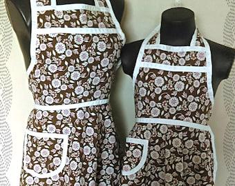 Matching mother/daughter aprons