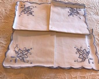 Vintage Embroidered Cloth Napkins