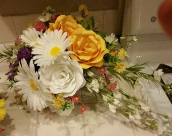 Beautiful spring time paper flower bridal bouquet with daisies and roses,perfect for that spring time wedding