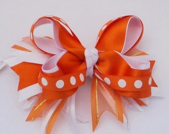 Hairbow. Large monkey Boutique. bow Boutique.Accesorio for girls. Bond girl. Mono Rojo.Hair accesories, Hair Ribbon Bows.