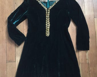 vintage 1960s velvet dress // 60s green velvet mini baby doll dress