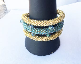Three-wire bracelet in teal and gold beadcrochet