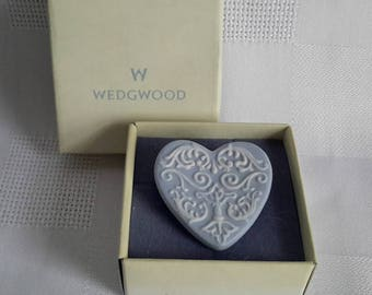 Wedgwood Porcelaine Heart Brooch. c.1970