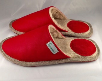 Red slippers, men slippers, leather slippers, merino wool slippers, warm slippers, closed toe slippers, home slippers, men's house shoes
