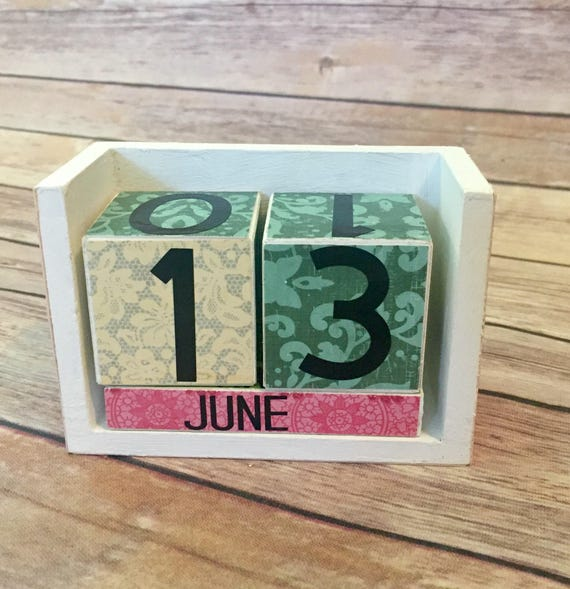 Colorful Block Calendar Painted Rustic Wood Block, Perfect for Birthdays Gifts, Vinyl Lettteting, Rustic Desk Calendar, Perpetual Calendar