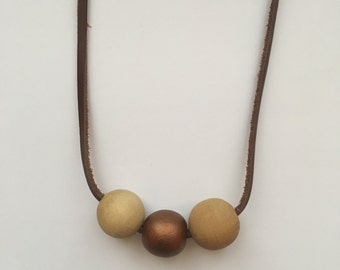 Leather necklace with wooden beads