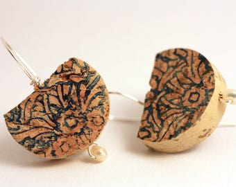 Earrings, boho chic, handmade with pearls, silver wire, Cork, flower pattern stamped blue