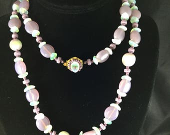GORGEOUS MIRIAM HASKELL Lavender and Green Glass Beads