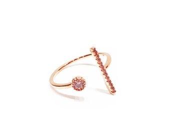 Fine ring adjustable gold rhinestone and serrated bar