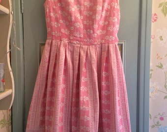Beautiful Vintage 1950's Pink Floral Summer Sun Dress - Size 10/12 - excellent condition - very Betty Draper from Mad Men