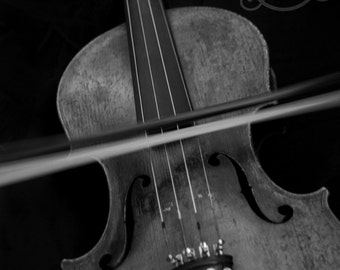 Playing the Old Violin