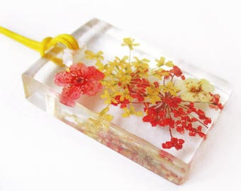 Yael flowery resin - jewel rectangle pendant necklace nature in colorful dried flowers