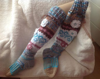 Handgestricke knee-length socks of Overknees warmers with flowers Gr. 36/37
