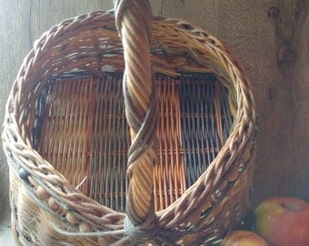 VINTAGE APPLE BASKET, old large English Orchard Basket, strong and robust vintage holder, pretty shopping carrier, multi-weave container