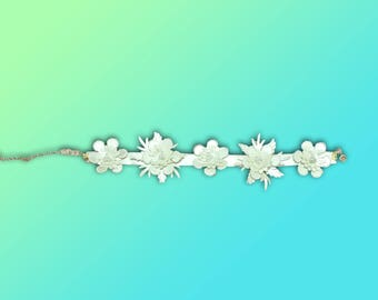 BLOOM || White leather floral choker
