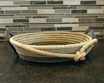 Horseshoe lariat catch all basket