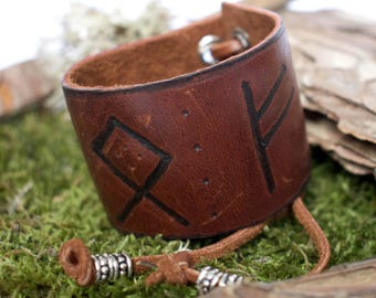 Rune leather cuff - Customizable runes engraved / Rune leather bracelet / Rune Armband / Viking leather bracelet / Rune leather wristband