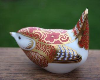 Royal Crown Derby Paperweight Manifold Wren gold stopper