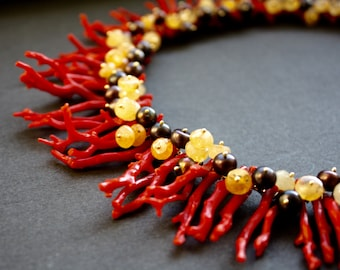Coral necklace with magnetic clasp