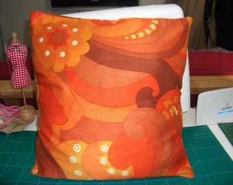 Swril patterned cushion cover