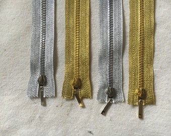 Plastic Teeth Metallic Coloured Zippers