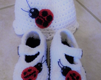 lady bug girls baby booties and hat