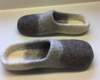 Men's size 11 1/2 felted wool slippers Grey Ombre