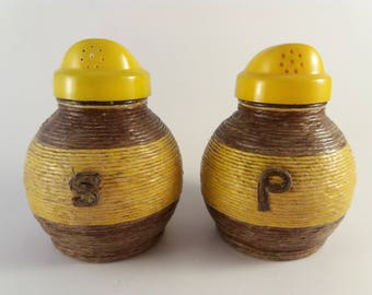 Salt and Pepper! Vintage Shaker Set in Yellow/Brown String-wrapped Glass, Retro Kitchen