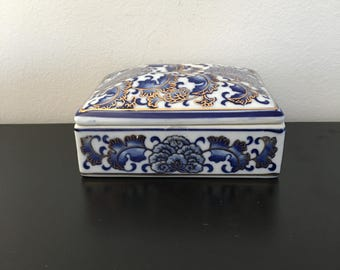 Vintage Ceramic, Blue And White Box, Jewelry Box, Porcelain Trinket Box,Oriental Decor, Lidded Rectangular Dish,Storage, Home Decor,