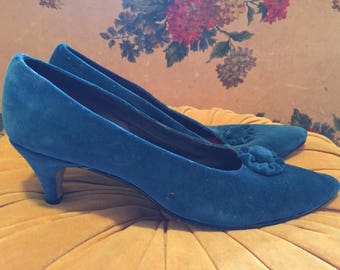 Teal velvet pumps 7 1/2 narrow