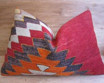 home living,home decor,vintage,kilim pillow,decorative pillow,pillow,bohemian pillow,handwoven pillow,throw pillow,accent pillow,16x24