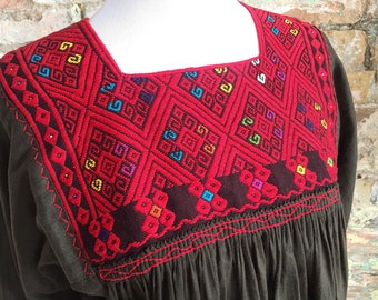 Mexican Embroidered Top / Mexican Peasant Blouse /Mexican Embroidered Blouse / Bohemian Embroidered Top / Brown Mexican Top