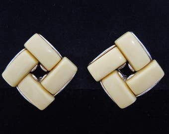 earrings signed Lisner thermoset clip ons vintage
