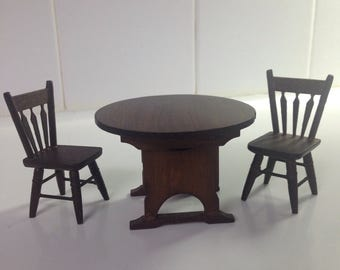 Tilt-top table and chair set