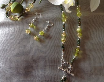 Green necklace and earring set handmade necklace beaded necklace lariat necklace Y necklace earrings beaded earrings