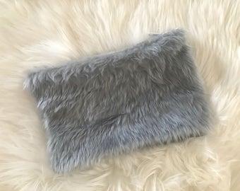 faux fur fluffy pouch / clutch