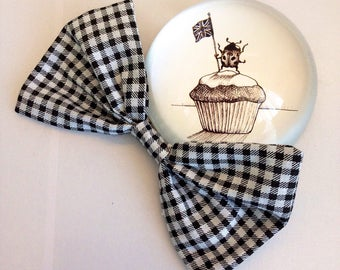 Black and White gingham bow.